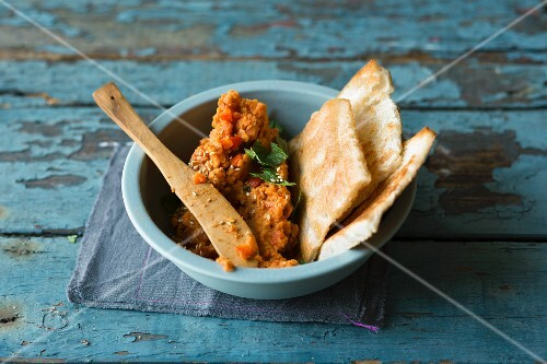 A grilled pepper, carrot and red lentil spread