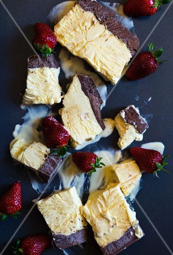 Semifreddo with strawberries
