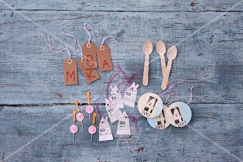 Decorative label ideas for presents