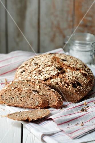 Sour dough rye spelt bread