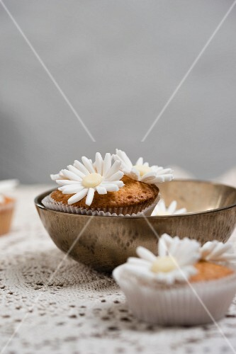 Cupcakes with sugar paste flowers
