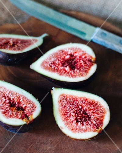 Fresh red figs, halved