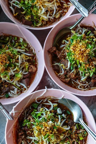 Fermented rice noodles with pork and blood