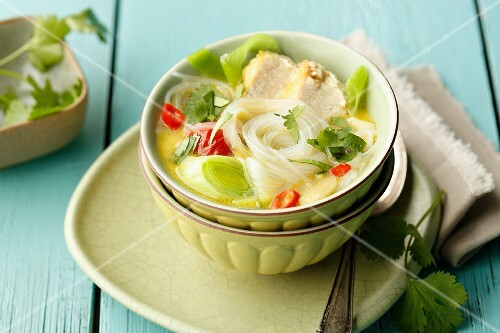 Quick Thai chicken soup with glass noodles and leek