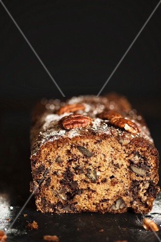 Banana, chocolate and pecan nut bread (close-up)