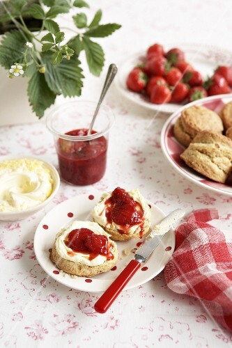 Sour cream scones with strawberry jam and clotted cream