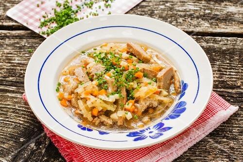 Bavarian-style vegan bread soup