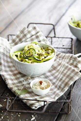 Noodles with courgette