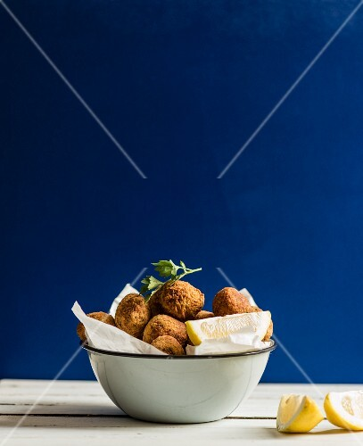 Falafel with lemons