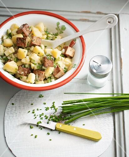 Vegan potato salad with fried tofu