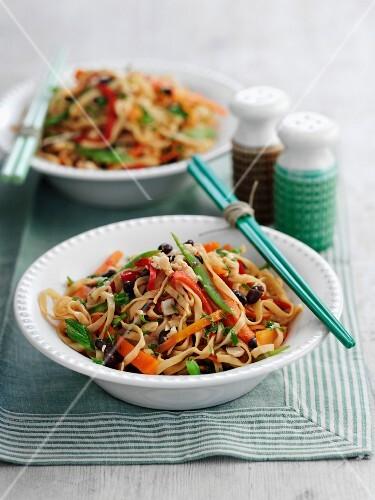 Bang Bang noodles (aromatic noodle dish with vegetables, China)