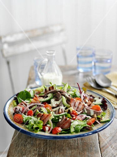Club salad with beef and grilled bacon (USA)