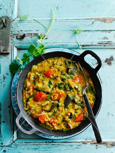 Dhal with spinach and tomatoes (Bombay, India)