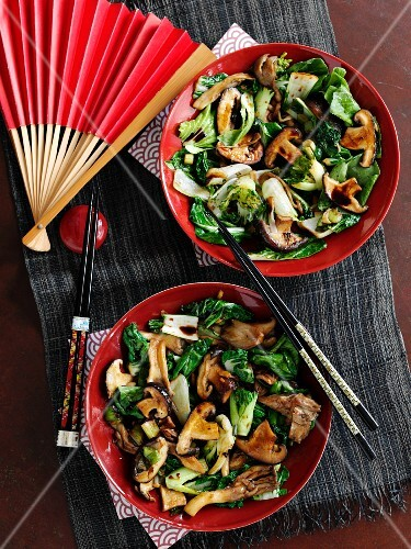 Mushroom and bok choy stir fry (Asia)
