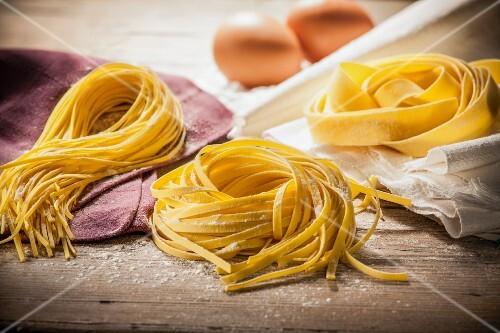 Fresh tagliolini and pappardelle