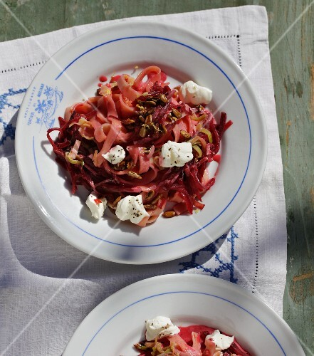 Tagliatelle with beetroot, leek and goat's cream cheese