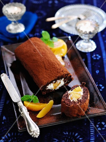 Chocolate Swiss roll with peaches