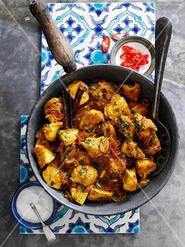 Chicken ragout with coriander and mint