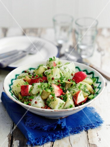 Potato salad with apple, gherkins and red pepper