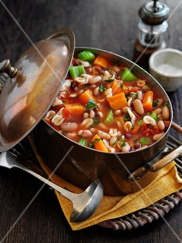 Rustic bean soup with pasta