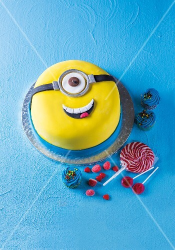 A minion cake