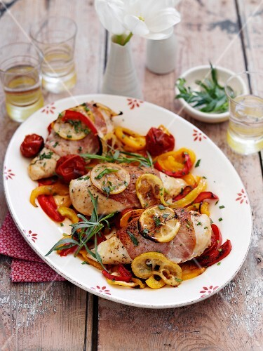 Stuffed chicken breast with lemons and garlic