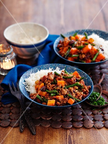Chilli with green beans and rice