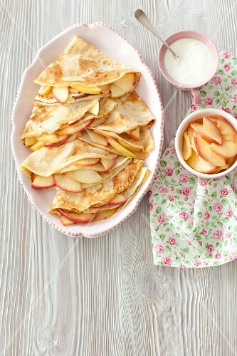 Pancakes with fried apples