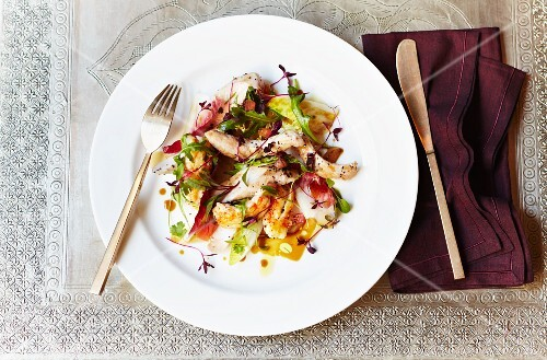 Grilled chicken and chicory salad with an orange dressing