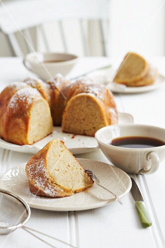 A Bundt cake served with redbush tea