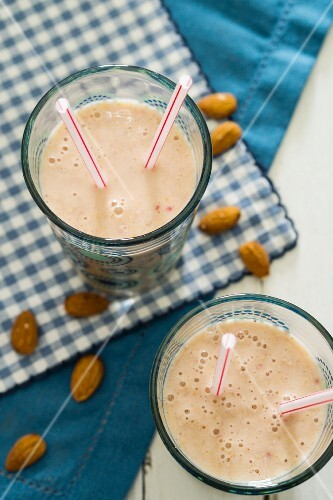 Almond smoothies
