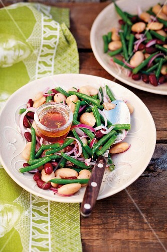 Bean salad with a honey dressing