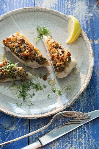 Chicken with a shallot crust and cress