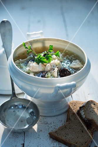 Onion soup with chicken