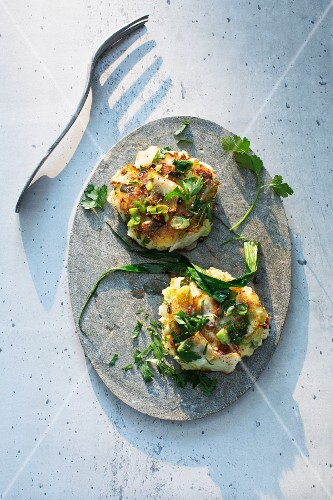 Onion cakes with parsley