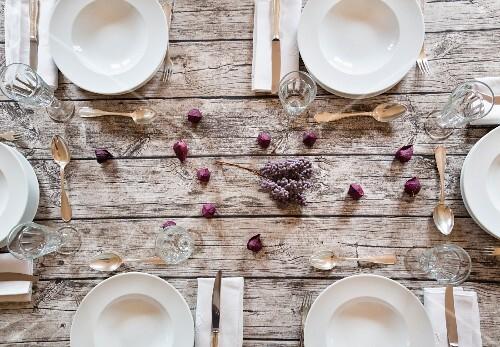 Herbstlich Gedeckter Tisch Mit …