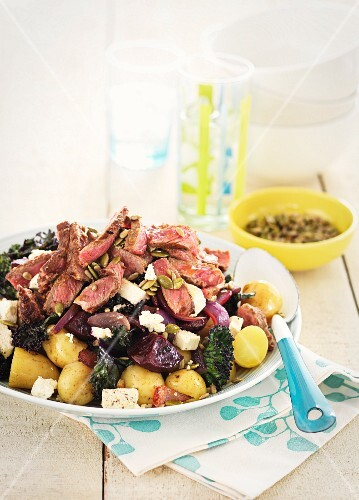 Warm beef salad with potatoes
