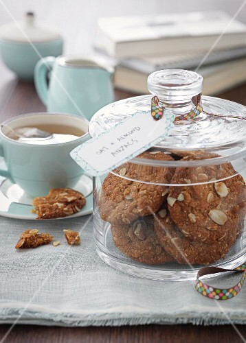 Anzac cookies and tea