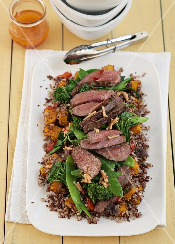 Beef salad with mange tout