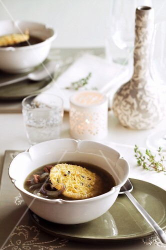 Onion soup with a cheese crouton