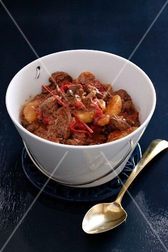 Beef stew with chilli peppers