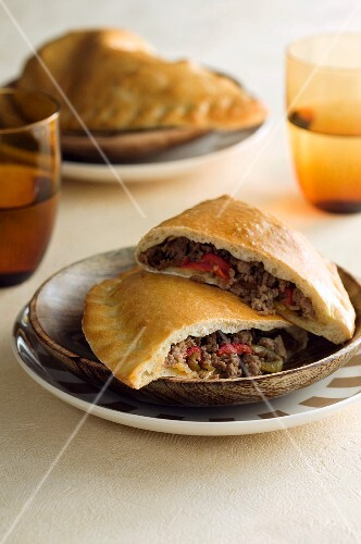 Oven-baked meat pasties