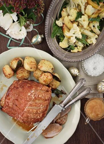 Crispy pork with fried potatoes and cauliflowers (Christmas)