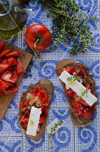 Riganada (tomato bread with cheese and oregano, Greece)