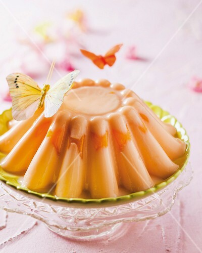Peach and yoghurt pudding