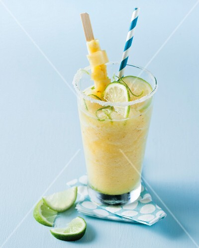 Pineapple and lime smoothie