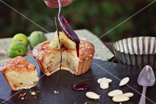 Greengage cake with almonds
