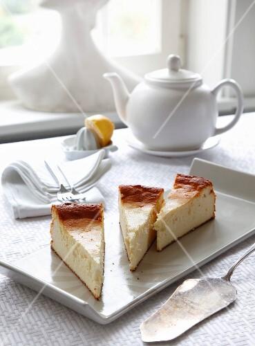 Quark cake and a pot of tea