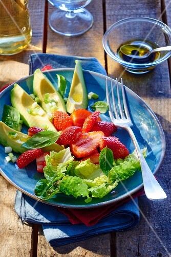 Avocado salad with strawberries