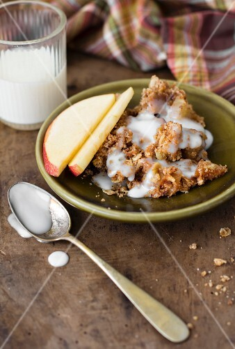 Apple and soured milk crumble